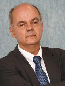 Plástico Moderno, Alfredo Schmitt, Presidente da Abief, Abief - Valorização do plástico persiste como meta do ano