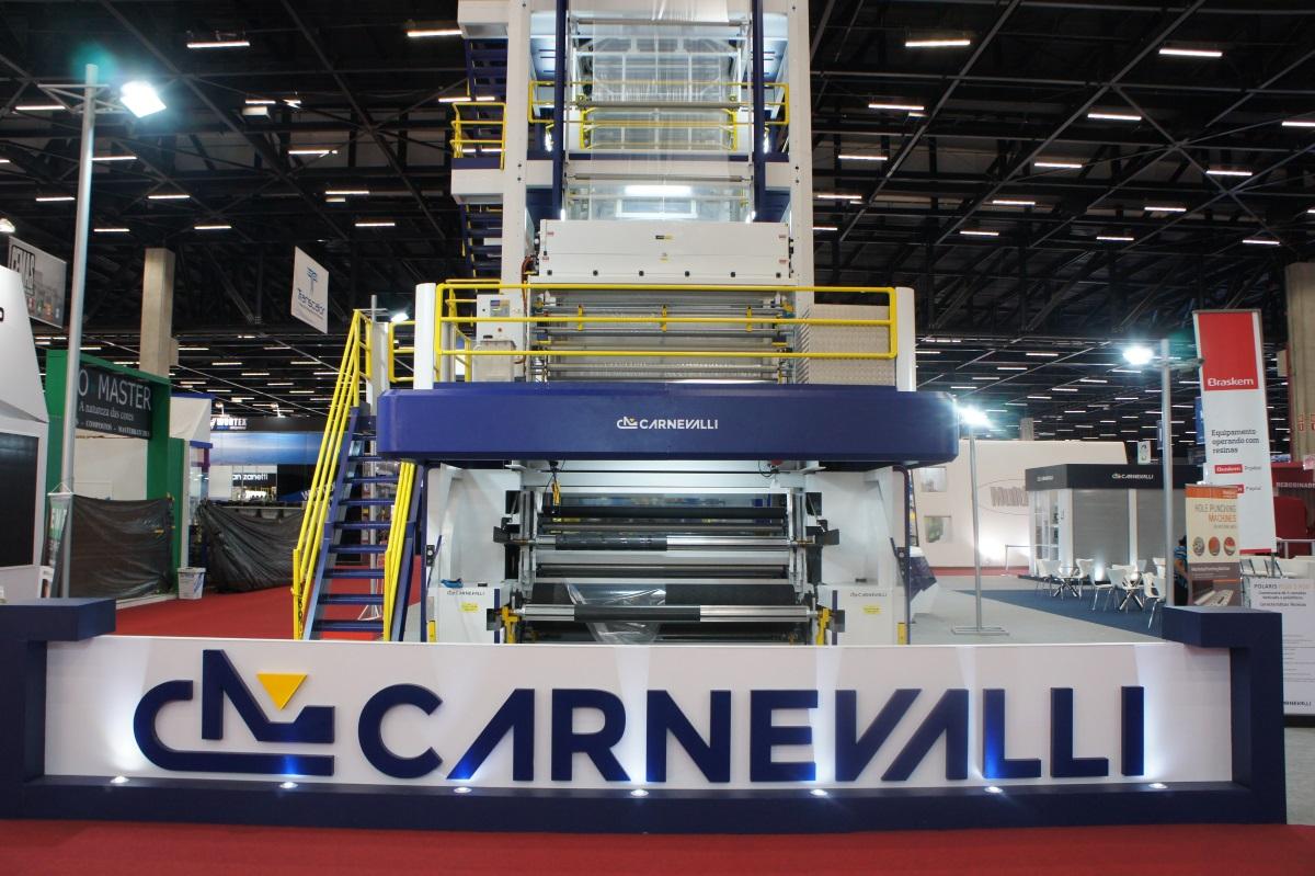 Plástico Moderno, Coextrusora para cinco camadas da Carnevalli converte uma t/h com baixo consumo de energia